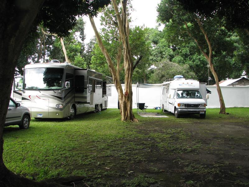 Tepetapan Campground - 2 RV's